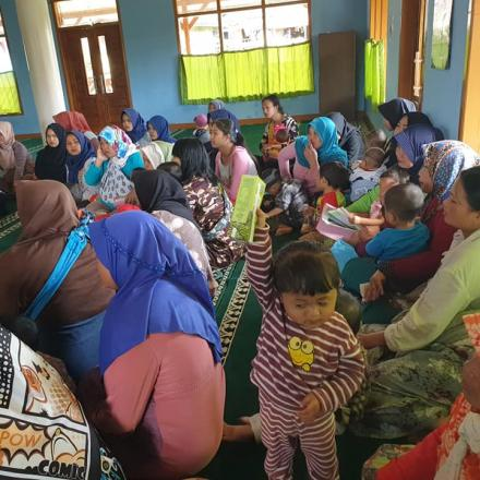 Bina Keluarga Balita (BKB) di Kampung Laspada RW 8